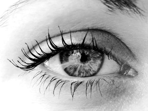 Få pigga ögon med verso super eye serum
